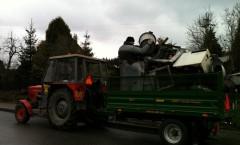 31.3.2012 - sběr šrotu, umývání silnic